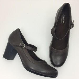 CLARKS Bendables Brown Leather Mary Jane Pumps